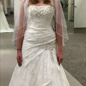 David's bridal YP3344 never worn or altered